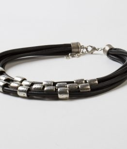 Collar Gloria negro cuero 5mm zamak Egass Barcelona