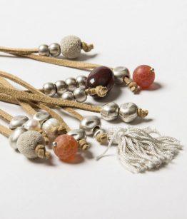 Collaret Martina antelina, zamak amb bany de plata perles de riu raió minerals fet a mà Egass Barcelona.