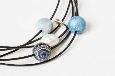 detalle collar Carlota azul egass barcelona collares