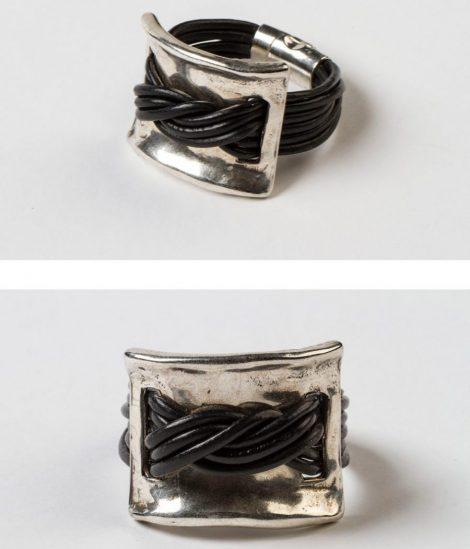 Pulsera Maria color negro.Egass barcelona hecho a mano