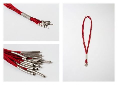 Collar Vera antelina rojo.hecho a mano Egass barcelona.