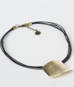 Collar Catalina piel de canguro hecho a mano Egass barcelona