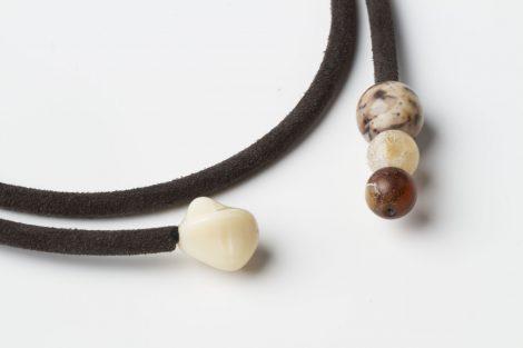 Collar Elia marrón